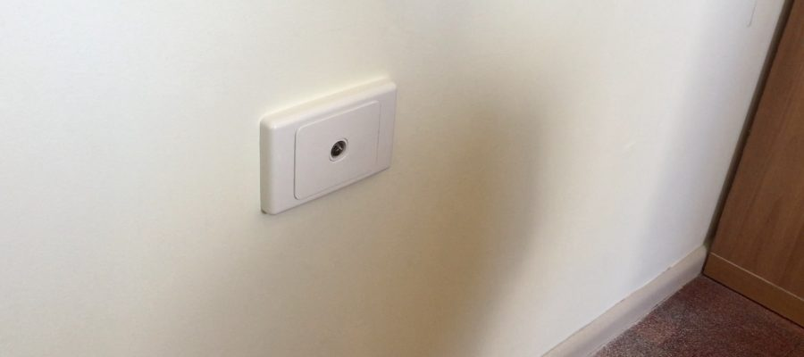 Finished wallplate and socket for Digital TV
